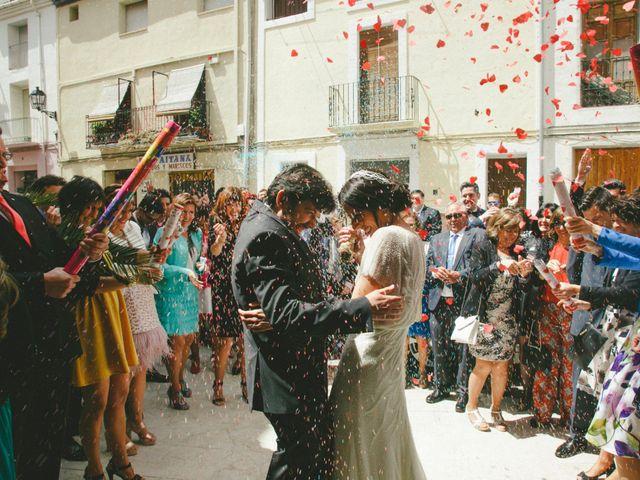 La boda de Toni y Elena en Alcoleja, Alicante 5