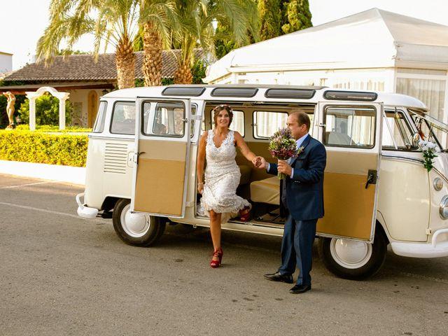 La boda de Carlos y Tamara en L' Ènova, Valencia 27