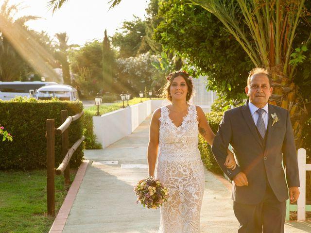 La boda de Carlos y Tamara en L' Ènova, Valencia 28