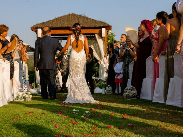 La boda de Carlos y Tamara en L' Ènova, Valencia 29