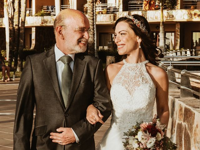 La boda de Rubén y Carolina en San Bartolome De Tirajana, Las Palmas 42