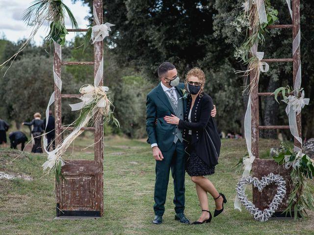 La boda de David y Mireia en Puig-reig, Barcelona 16