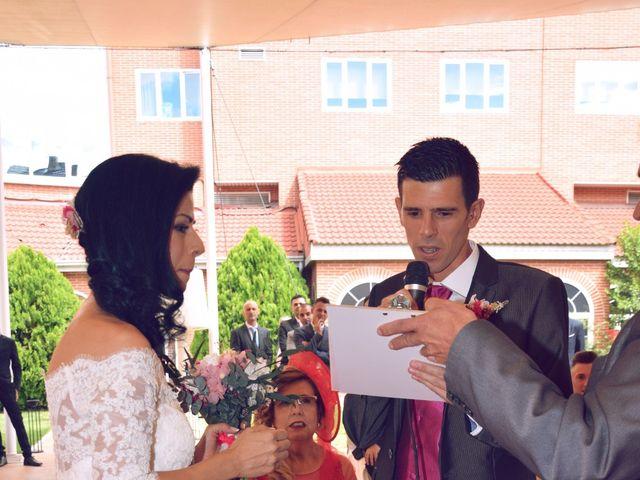 La boda de Manuel y Virginia en Madrid, Madrid 23