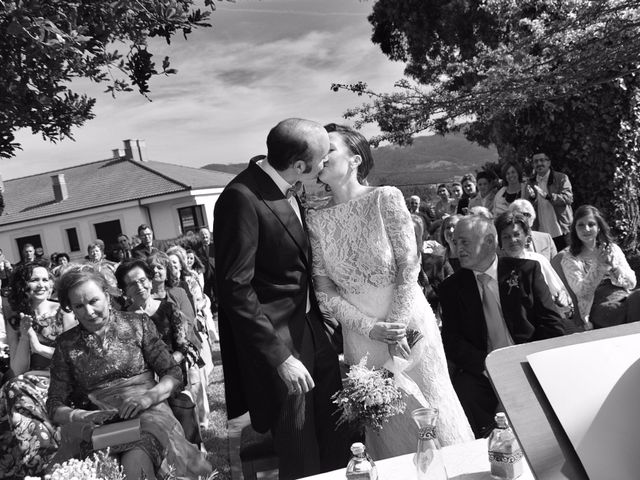 La boda de Hilario y Raquel en Soto Del Barco, Asturias 13