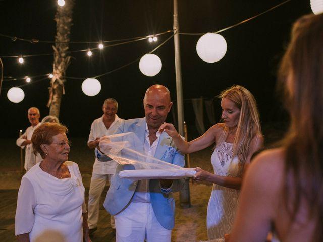 La boda de Toni y Ana en Barcelona, Barcelona 35