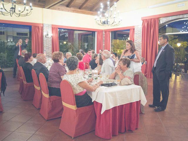 La boda de Fernando y Bárbara en El Tiemblo, Ávila 69