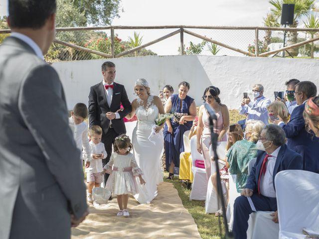 La boda de José Antonio y María Isabel en Puerto Serrano, Cádiz 14