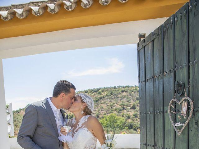 La boda de José Antonio y María Isabel en Puerto Serrano, Cádiz 21