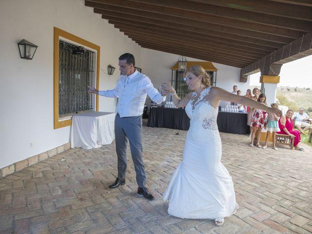 La boda de José Antonio y María Isabel en Puerto Serrano, Cádiz 23