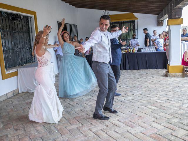 La boda de José Antonio y María Isabel en Puerto Serrano, Cádiz 24
