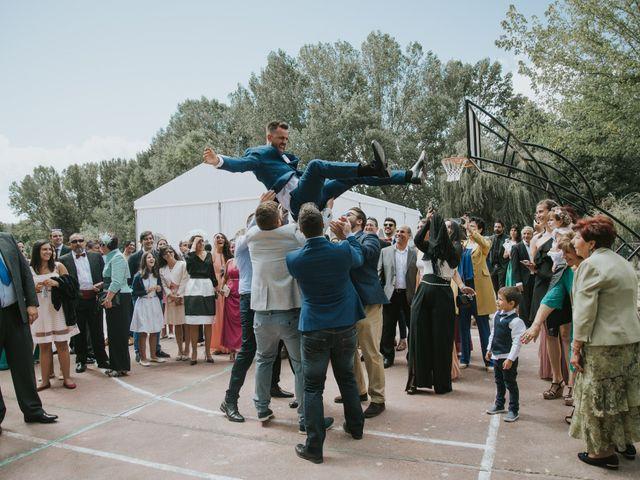 La boda de Jose y Ainhoa en Quintana De Fuseros, León 34