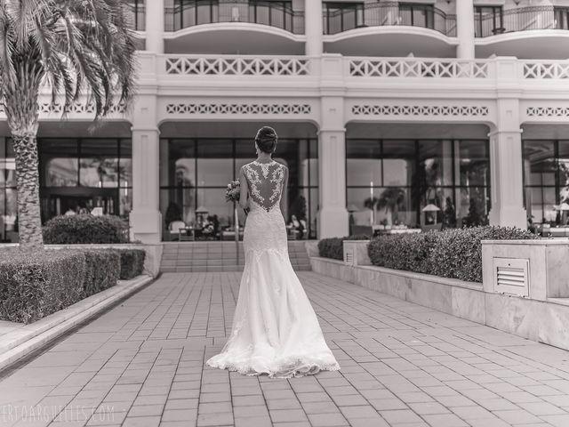 La boda de Esther y Reyes en Valencia, Valencia 14