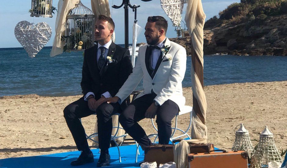 La boda de Adrián  y Rafael en L' Ametlla De Mar, Tarragona