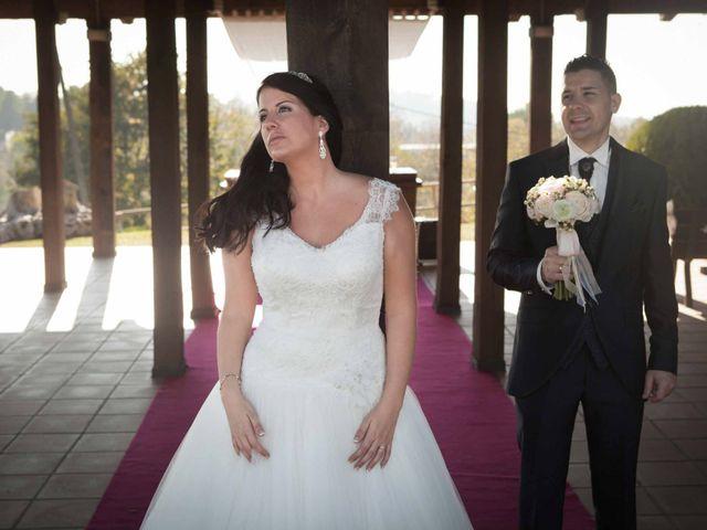 La boda de Toni y Laura en Terrassa, Barcelona 19