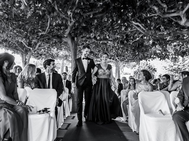 La boda de Iván y Raquel en Sant Vicenç De Montalt, Barcelona 43