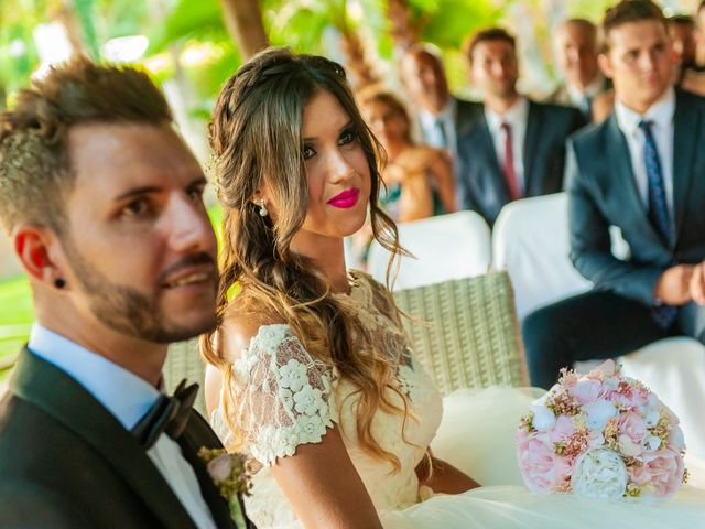 La boda de Iván y Raquel en Sant Vicenç De Montalt, Barcelona 52