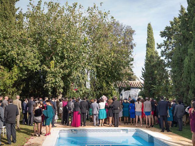 La boda de Teo y Raquel en Fuentes De Andalucia, Sevilla 14
