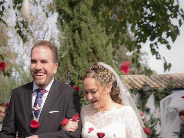 La boda de Teo y Raquel en Fuentes De Andalucia, Sevilla 18