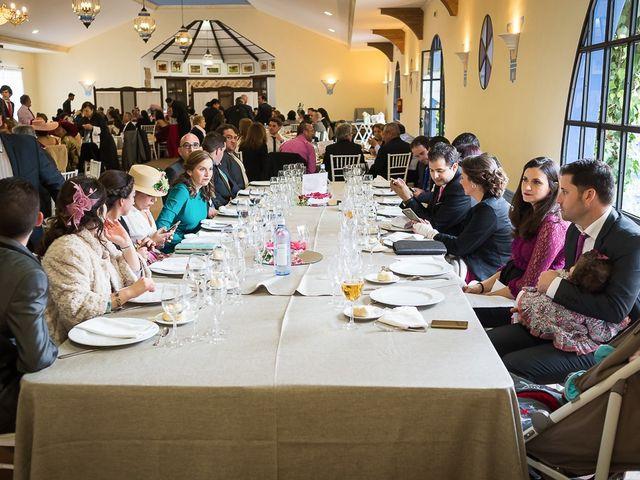 La boda de Teo y Raquel en Fuentes De Andalucia, Sevilla 23