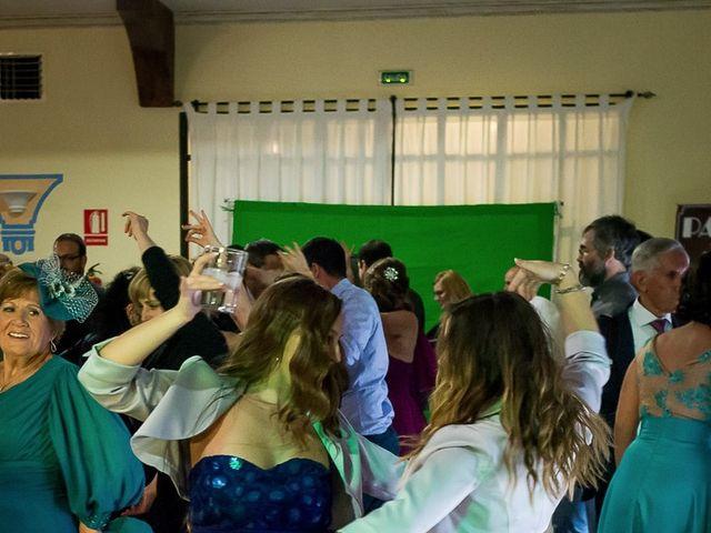 La boda de Teo y Raquel en Fuentes De Andalucia, Sevilla 28