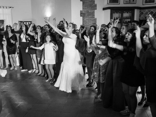La boda de Teo y Raquel en Fuentes De Andalucia, Sevilla 31