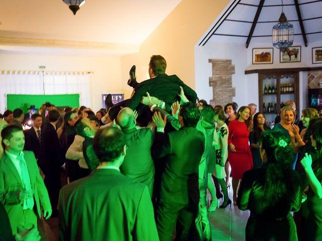 La boda de Teo y Raquel en Fuentes De Andalucia, Sevilla 33
