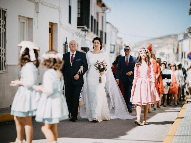 La boda de Antonio y Charo en Los Corrales, Sevilla 25