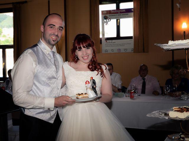 La boda de Jon Ander y Yasmin en Etxebarri, Vizcaya 18