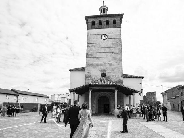 La boda de Rodrigo y Montse en Azadinos, León 18
