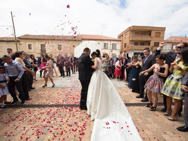 La boda de Rodrigo y Montse en Azadinos, León 22