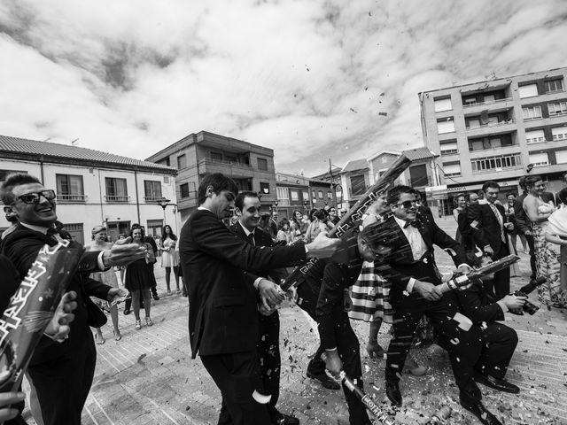 La boda de Rodrigo y Montse en Azadinos, León 23