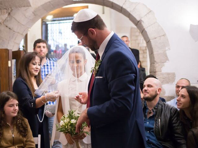La boda de Tal y Ben en La Bisbal d'Empordà, Girona 24
