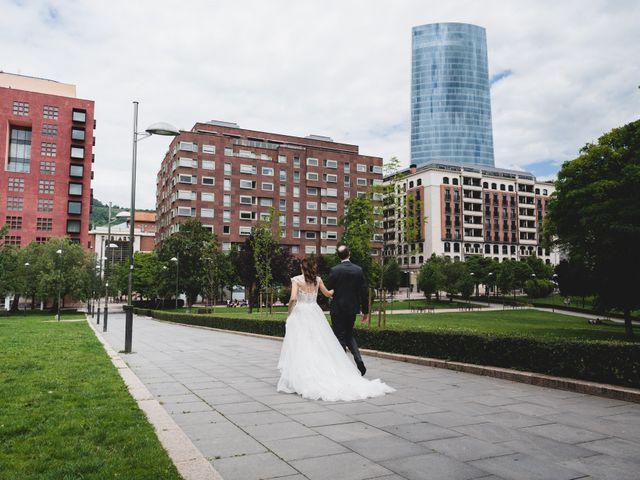 La boda de Gaizka y Melissa en Bilbao, Vizcaya 41