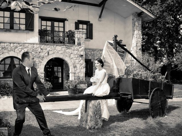 La boda de Iñigo  y Idoia   en Eibar, Guipúzcoa 5