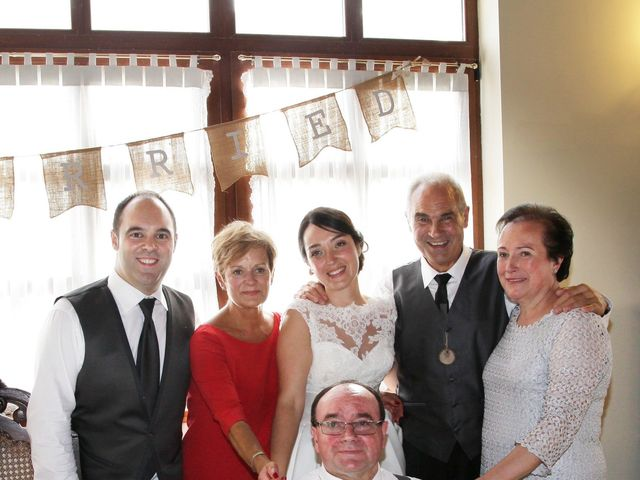 La boda de Iñigo  y Idoia   en Eibar, Guipúzcoa 9
