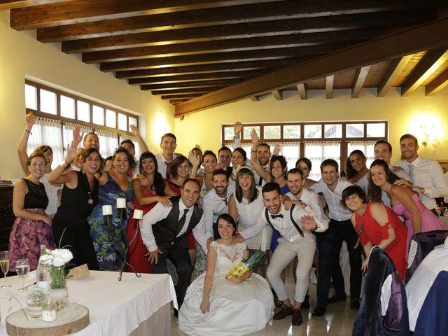 La boda de Iñigo  y Idoia   en Eibar, Guipúzcoa 13
