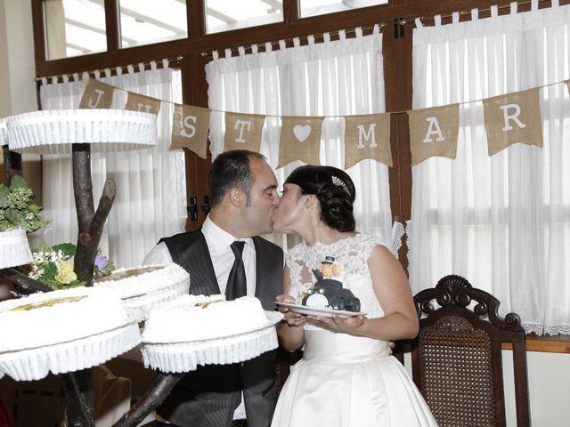 La boda de Iñigo  y Idoia   en Eibar, Guipúzcoa 14