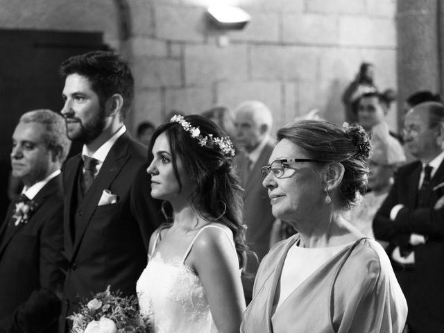 La boda de Adrián y Cristina en Telleiro, A Coruña 21