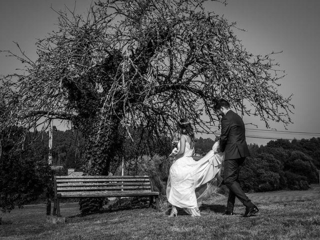 La boda de Adrián y Cristina en Telleiro, A Coruña 26