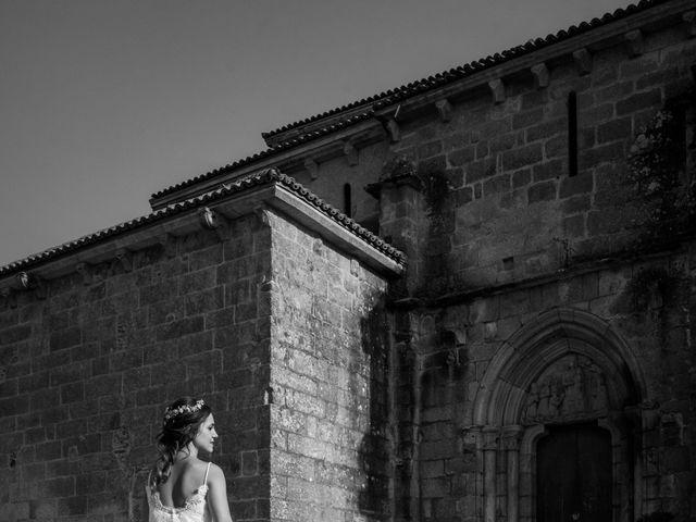 La boda de Adrián y Cristina en Telleiro, A Coruña 27