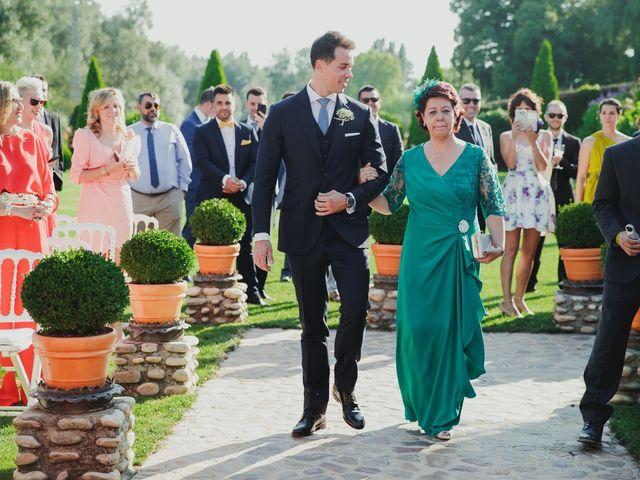 La boda de Luis y Elisa en Torremocha Del Jarama, Madrid 49