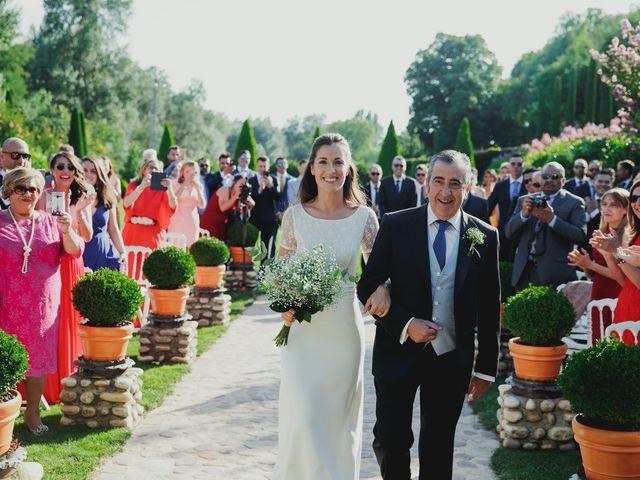 La boda de Luis y Elisa en Torremocha Del Jarama, Madrid 51