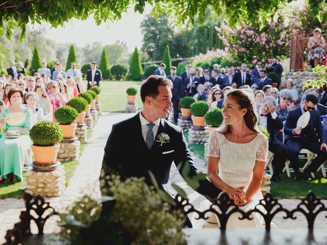 La boda de Luis y Elisa en Torremocha Del Jarama, Madrid 52