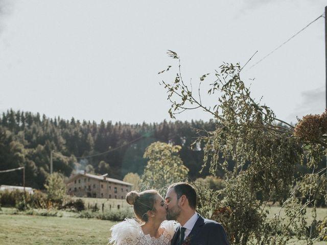 La boda de Alvaro y Miren en Orozco, Vizcaya 33