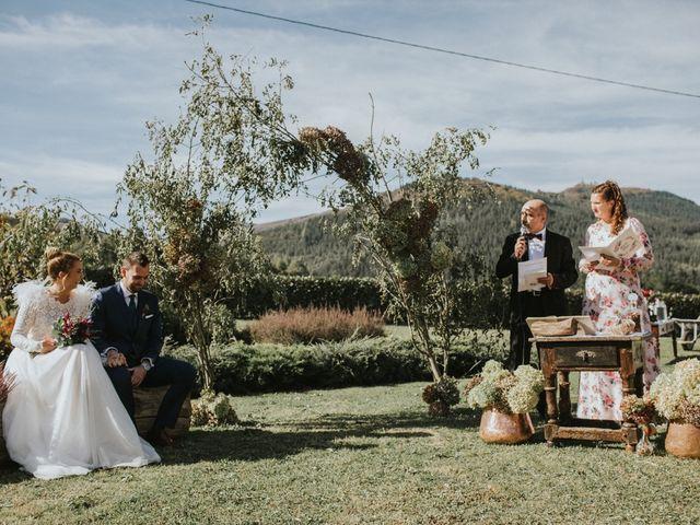 La boda de Alvaro y Miren en Orozco, Vizcaya 52