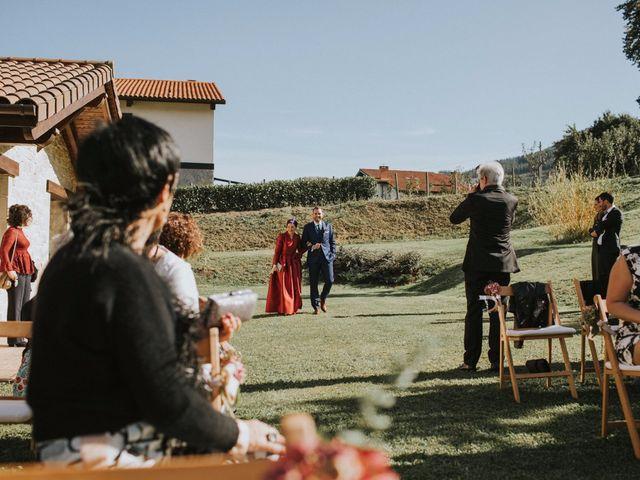 La boda de Alvaro y Miren en Orozco, Vizcaya 62