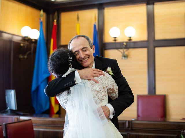La boda de Antonio y Sara en Sant Fost De Campsentelles, Barcelona 22