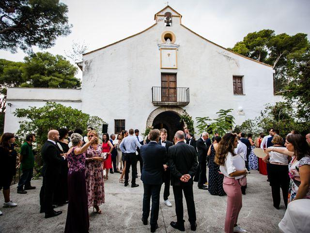 La boda de Hugo y Maria en Vilanova I La Geltru, Barcelona 7
