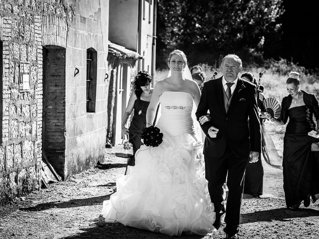 La boda de Javier y Irene en Berlanga De Duero, Soria 11