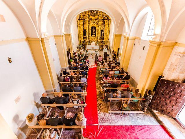 La boda de Javier y Irene en Berlanga De Duero, Soria 12